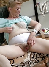 Hot granny as a result horny fingering her old pussy outdoor
