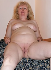 Chubby mature ladies ready to lick shaved hungry cunt